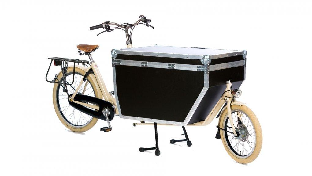 biporteur livreur lectrique sur coussin d 39 air. Black Bedroom Furniture Sets. Home Design Ideas