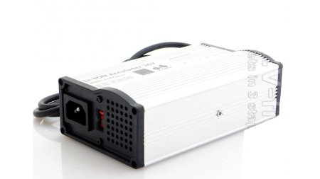 Chargeur rapide 36 volts pour batterie sur rail 375 ,522, 610 Wh ou 320 Wh sac