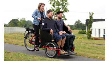Triporteur transport adulte rickshaw vélo taxi