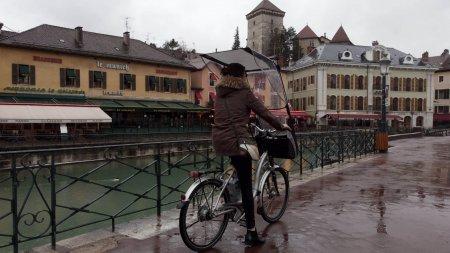 Protection pluie pour le cycliste pour biporteur et triporteur