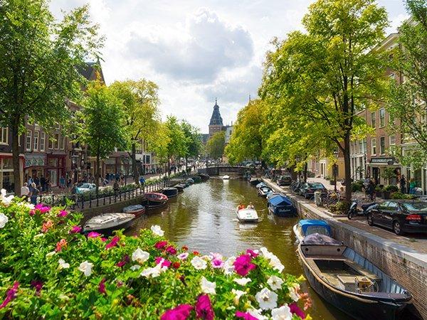 Amsterdam, la plus grande ville et la capitale des Pays-Bas