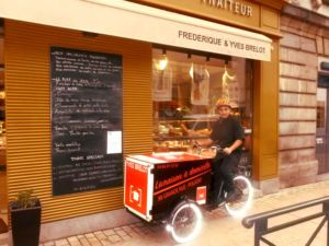 triporteur livraison électrique professionnel pour charcuterie brelot dans le Jura