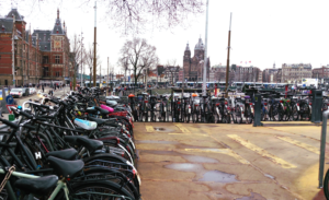 parking-velo-gare-amsterdam