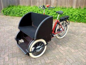 Triporteur électrique adapté transport adulte rickshaw amsterdamer