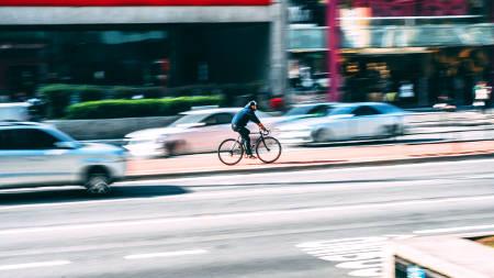 Le nombre de cyclistes tués dans des accidents est en nette augmentation depuis 2010. Quelles sont les raisons ? Pourquoi Copenhague et Amsterdam surfent sur la tendance inverse ? Qu'ont-ils de plus ?