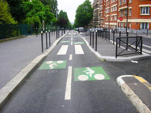 pistes-cyclables-cohabitation-velos-voitures
