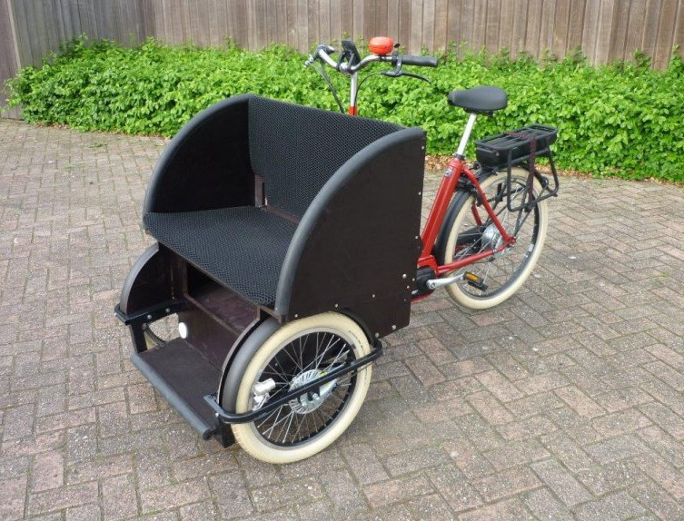 triporteur-rickshaw-pour-transporter-des-personnes-adultes.jpg