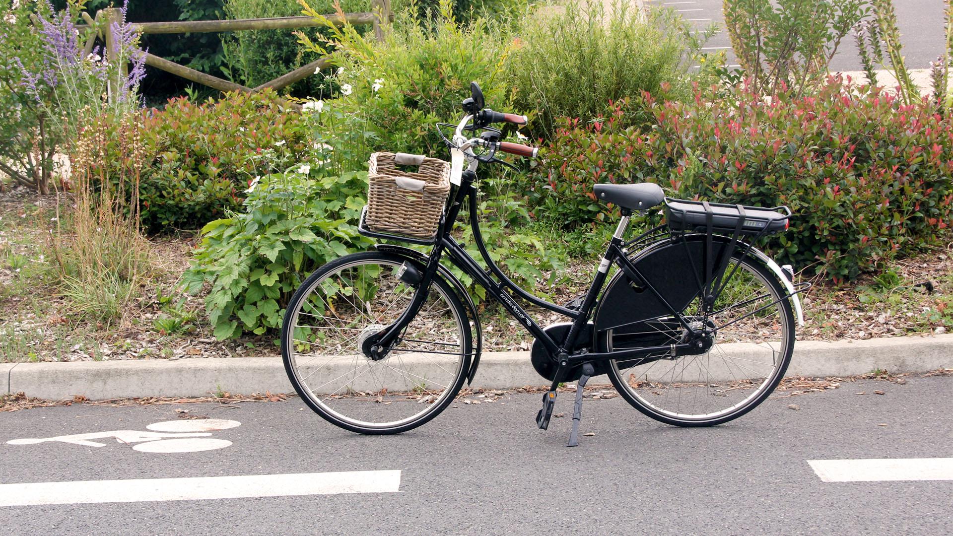Vélo Amsterdam Air sur piste cyclable