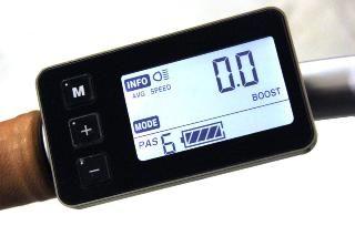 Console LCD avec compteur de vitesse